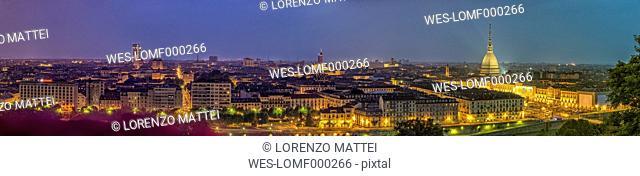 Italy, Piemont, Turin, Cityscape with Mole Antonelliana, Panorama