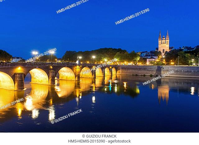 France, Maine et Loire, Angers, Verdun bridge over the Maine river and Saint-Maurice cathedral