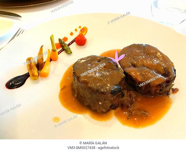 Meat with vegetables sauce