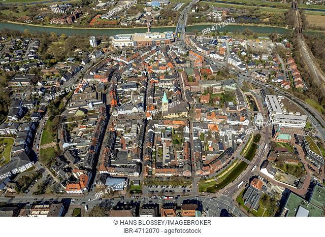Aerial view, Old town, inner city ring road with southern moat, western wall and eastern moat, old town hall with Dorsten market church, Dorsten, Ruhr area