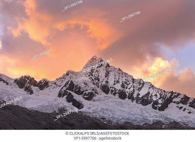 The West face of Alpamayo Nevado peak at sunset. Ancash, Cordigliera Blanca, Perù