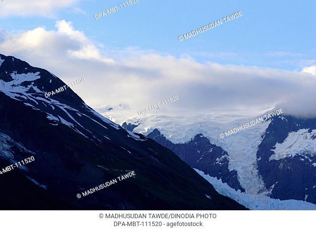 Snowcapped mountains near Hubbard glacier; The longest tidewater glacier in Alaska ; Saint Elias  national park ; Disenchantment bay ; Alaska ; U.S.A
