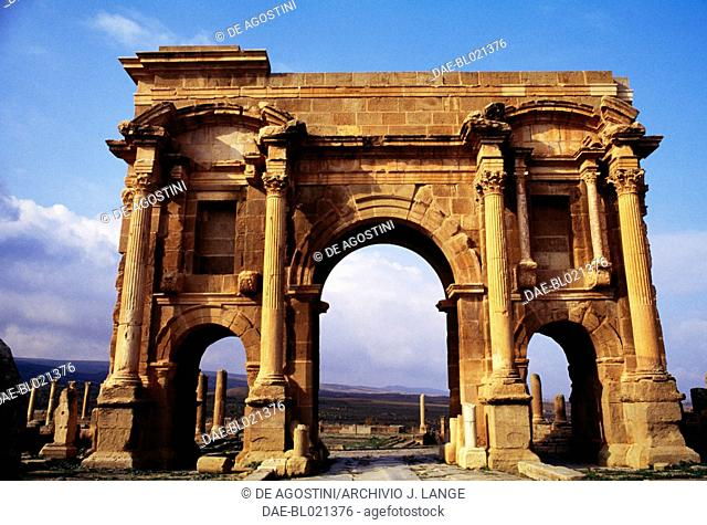 Arch of Trajan, 1st-2nd century AD, ruins of the Roman city of Timgad (formerly Thamugadi), founded in ca 100 AD by order of Trajan (Unesco World Heritage List