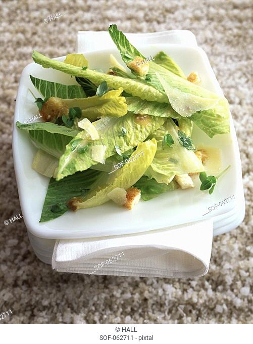 Green lettuce,parmesan and croutons