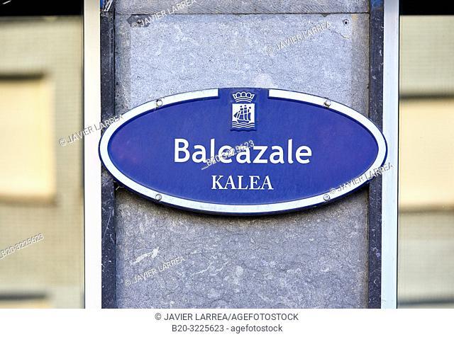 Street name plate: e calle Balleneros, Baleazale kalea, Donostia, San Sebastian, Gipuzkoa, Basque Country, Spain, Europe