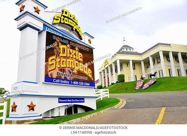 Dixie Stampede Show at Branson Missouri