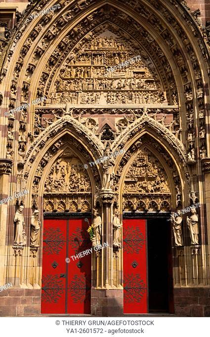 France, Haut Rhin (68), village of Thann, Collegiale Saint Thiebault church, gothic portal