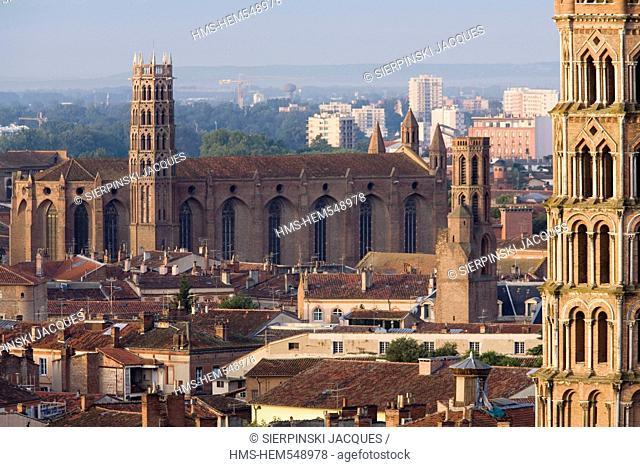 France, Haute Garonne, Toulouse, St Sernin Basilica, Les Cordeliers bell tower and Les Jacobins