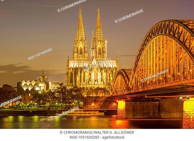 Philharmonie, Kölner Dom, Hohenzollernbrücke, Köln, Rheinland, Nordrhein-Westfalen, Deutschland, Europa