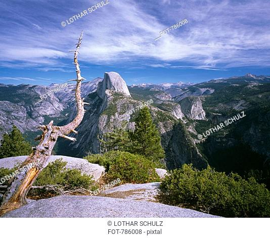 View across mountain ranges, Yosemite National Park, Sierra Nevada, California, USA