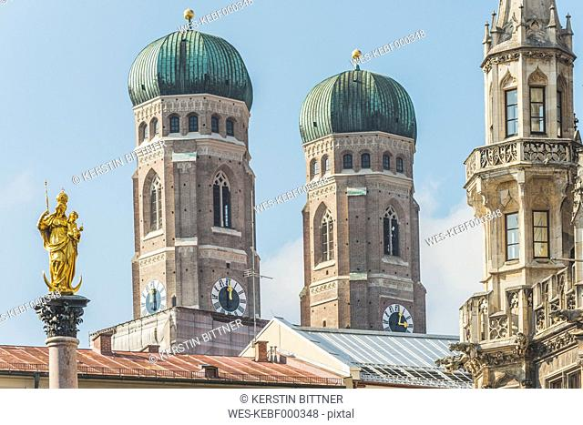Germany, Bavaria, Munich, View of Mary's Square, Marian column and Frauenkirche and new town hall