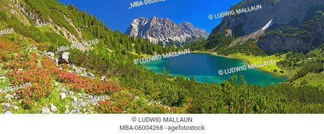 Austria, Tyrol, Ehrwald, Seebensee (lake) with Zugspitze