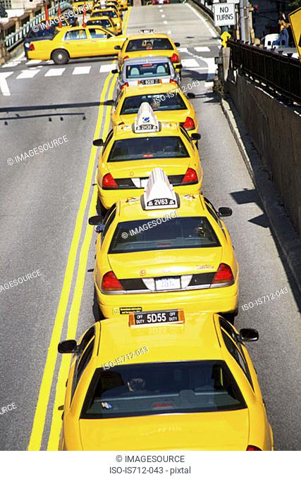 Queue of yellow taxi cabs new york
