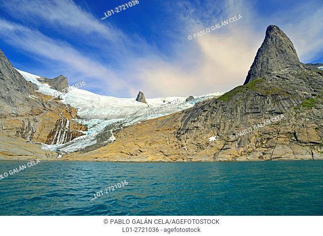 Glaciar called Walrus tusks (Greenland)