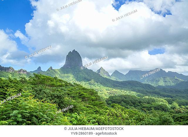 Lush mountains surrounding Opunohu Bay in Moorea, French Polynesia