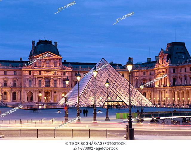 Louvre Pyramid, Louvre Museum. Paris, France