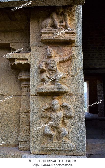 Carvings on pillars, Malyavanta Raghunatha Temple, Hampi, Karnataka, India