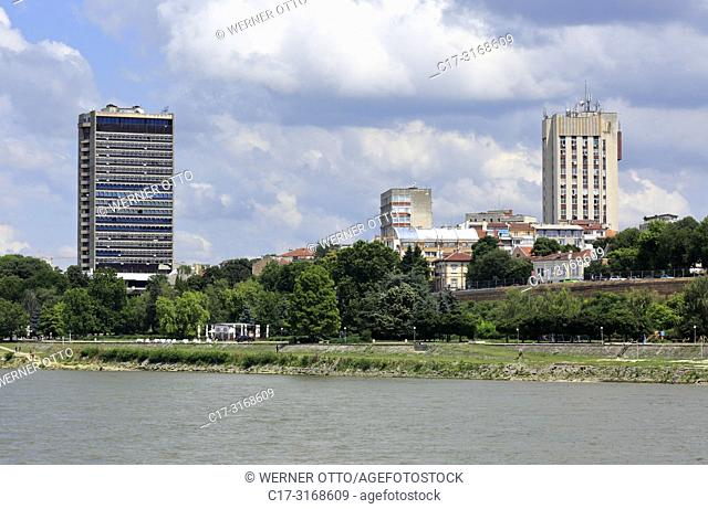 Russe, Rousse, Ruse, Bulgaria, Northern Bulgaria, Ruse at the Danube, Rousse, Russe, Danube lowlands, Grand Hotel Riga, highrise, residential houses