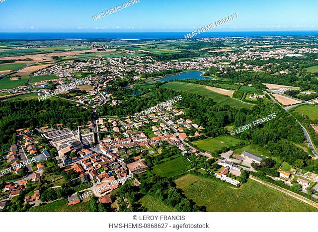 France, Vendee, Talmont Saint Hilaire (aerial view)