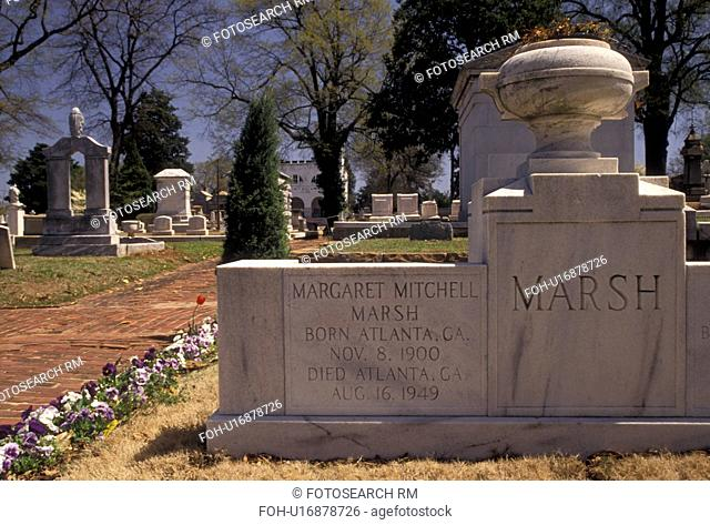 Margaret Mitchell, cemetery, Atlanta, Georgia, Gravesite of Margaret Mitchell, author of Gone with the Wind, at historic Oakland Cemetery in Atlanta in the...