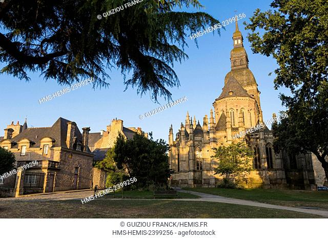 France, Cotes d'Armor, Dinan, the old town, Saint Sauveur Basilica built from the 12th century