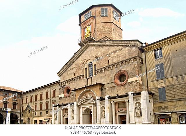 Duomo in the historc town centre of Reggio Emilia in North Italy