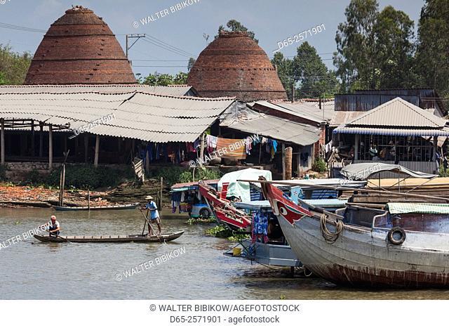 Vietnam, Mekong Delta, Sa Dec, Sa Dec River and brick kilns