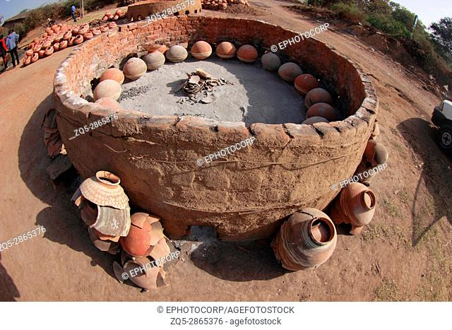 Pots and lamp making furnace. Kumbharwada, Gujarat, India