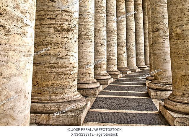 Bernini's colonnade, St Peter's square, Vatican city, Rome, Lazio, Italy, Europe