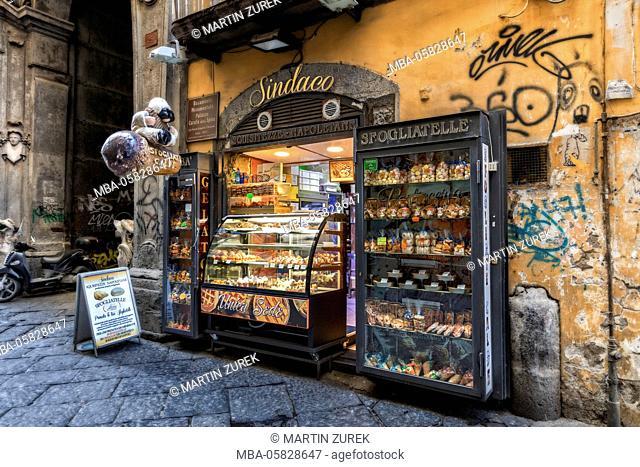 Baker's, street trading, Naples, Italy, Kampanien