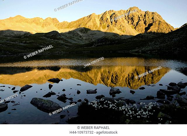 Switzerland, Europe, Graubünden, Grisons, national park, Engadine, lower engadine, Lavin, Macun, lake, lake district, Lais d'Immex, Piz d'Arpiglias, sunrise