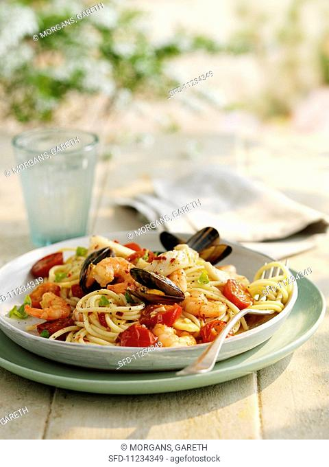Spaghetti with seafood and tomatoes