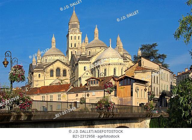 Saint Front cathedral (12th century), Périgueux, Dordogne, Aquitaine, France