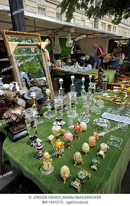 Flea market, Strasse des 17. Juni, 17th June Street, Berlin's most famous and most traditional flea market, Charlottenburg, Berlin, Germany, Europe