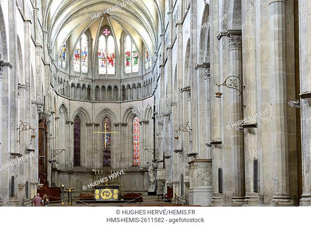 France, Isere, Vienne, St. Maurice Cathedral, the central nave