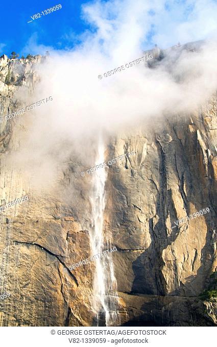 Upper Yosemite Falls from Yosemite Falls Trail, Yosemite National Park, California