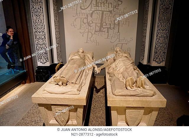 Tomb of Los Amantes de Teruel -Lovers of Teruel- in San Pedro Church. Teruel, Aragón, Spain, Europe