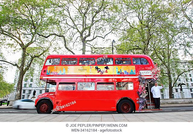 London's iconic red buses got a luxury makeover last night, courtesy of Belgian chocolatier Godiva. To mark the launch of its innovative new Wonderful City...