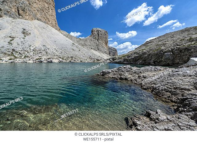 Italy, Trentino Alto Adige, Dolomiten Antermoia lake at Croda da Lago mountain
