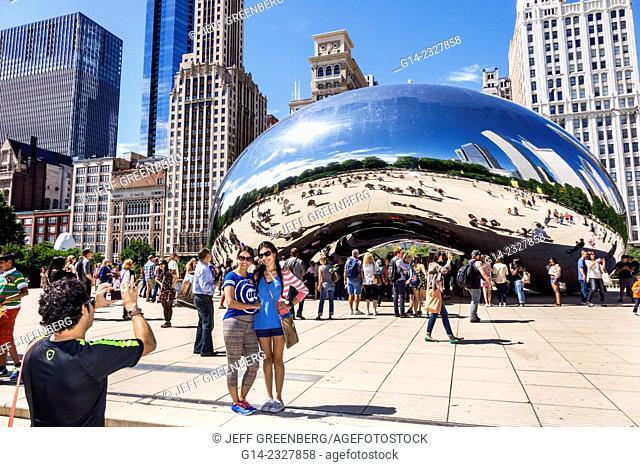 Illinois, Chicago, Loop, Millennium Park, Cloud Gate, The Bean, artist Anish Kapoor, public art, reflected, reflection, distorted, city skyline
