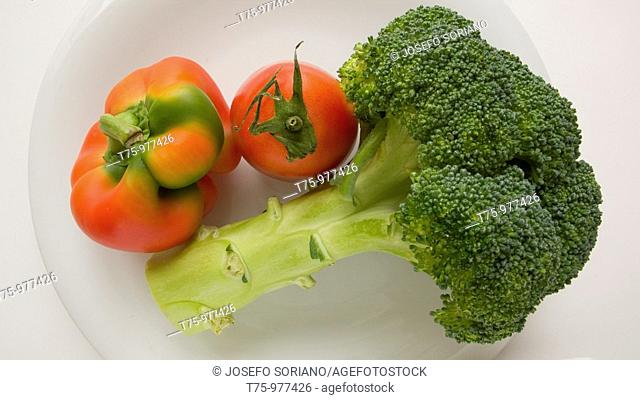 Broccoli, peppers and tomatoes