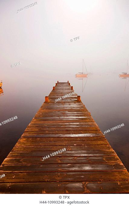 England, Cumbria, Lake District, Windermere, Wooden Jetty