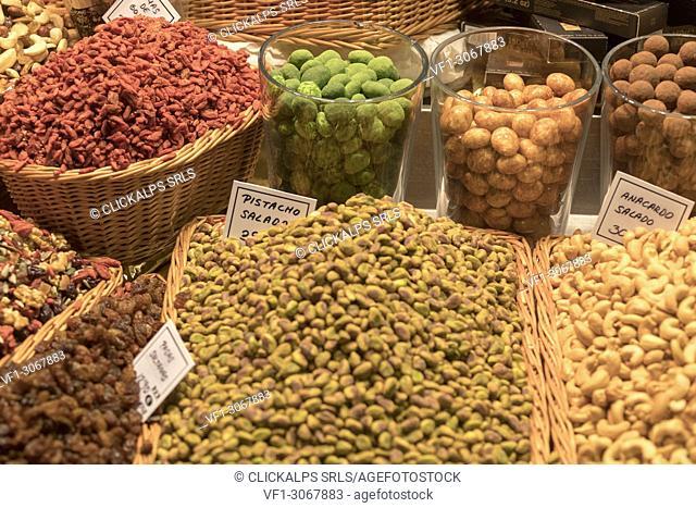 Pistachio and almonds, La Boqueria Market, Ciudad Vieja, Barcelona, Catalonia, Spain