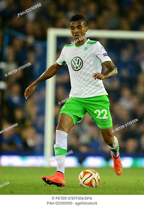Wolfsburg's Luiz Gustavo in action during the UEFA Europa League group H soccer match between Everton FC and VfL Wolfsburg at the Goodison Park, Liverpool