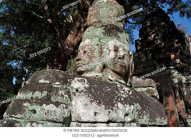 Angkor (Cambodia): carved wall at the Preah Khan