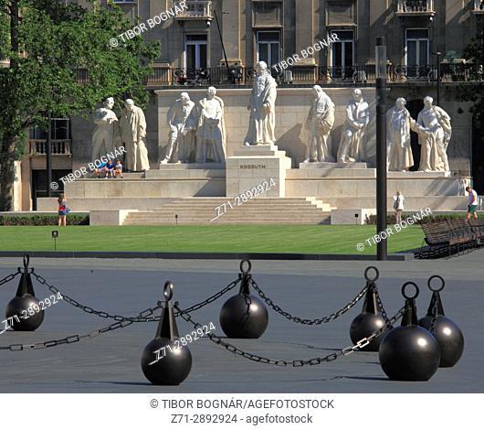 Hungary, Budapest, Kossuth group statue,