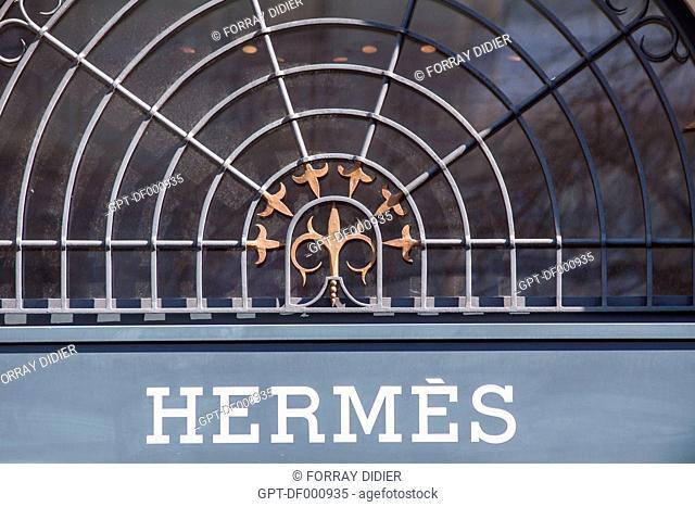 STOREFRONT OF THE LUXURY GOODS BOUTIQUE HERMES ON THE BAHNHOFSTRASSE OF ZURICH, ZURICH, CANTON OF ZURICH, SWITZERLAND