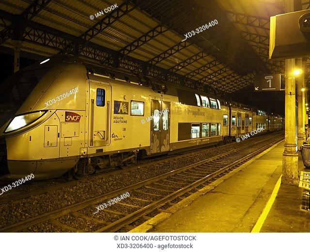 train at the railway station at night, Marmande, Lot-et-Garonne Department, Nouvelle-Aquitaine, France