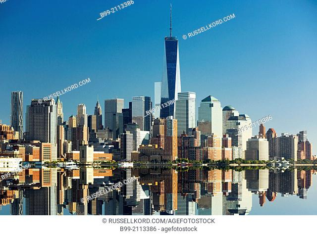 Downtown Skyline Hudson River Manhattan New York City Usa
