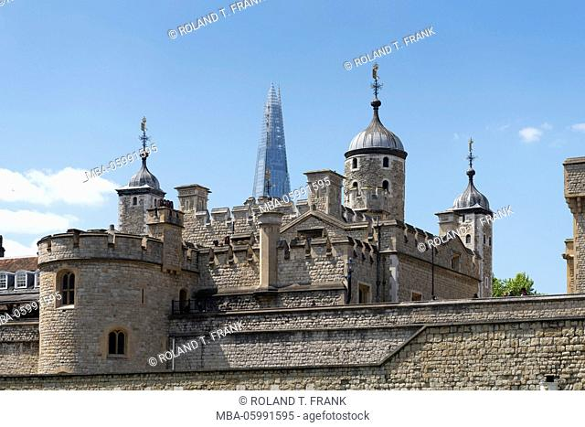 England, London, Her Majesty's Royal Palace and Fortress the Tower of London, fortified building complex at the Thamse, here are the British crown jewels